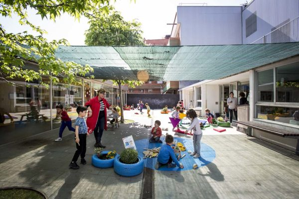 School courtyard transformed into stimulating place with sensory learning