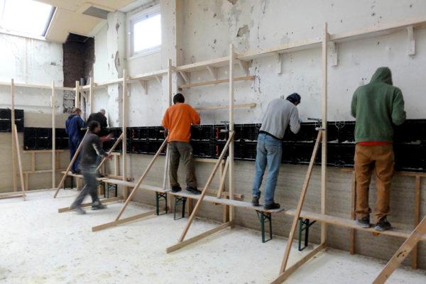 Extraordinary hemp wall built by volunteers
